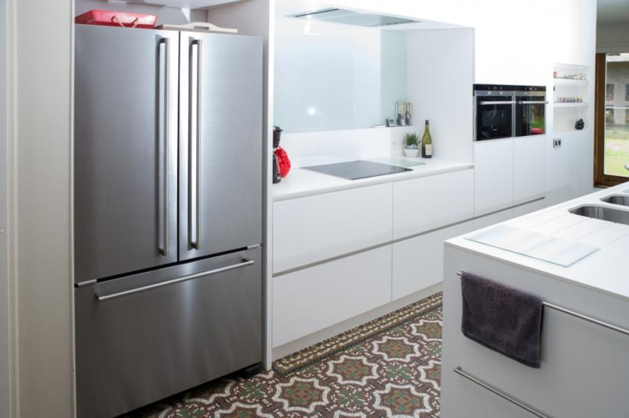 keuken in kern gekleurde witte laminaat  interieurs tack, Meubels Ideeën